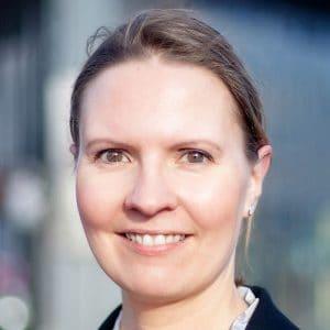 Ich bin Simone Maader und kümmere mich um Texte, die Kunden und Google lieben werden